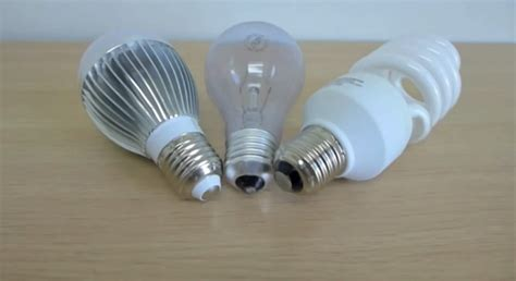 what to choose cfl or led light bulbs