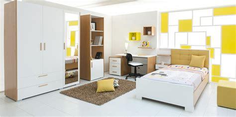 des bureaux en bois meublatex