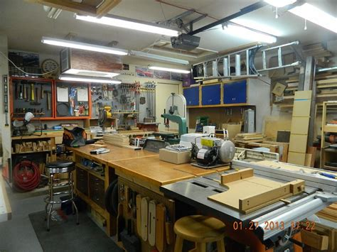 perfect woodshop layout   saving shop space