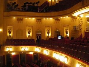 Hoffmann Möbel Cottbus : derkurze und breite zuschauerraum ist mit zahlreichen ornamentengeschm ckt und bietet gut 600 ~ Orissabook.com Haus und Dekorationen