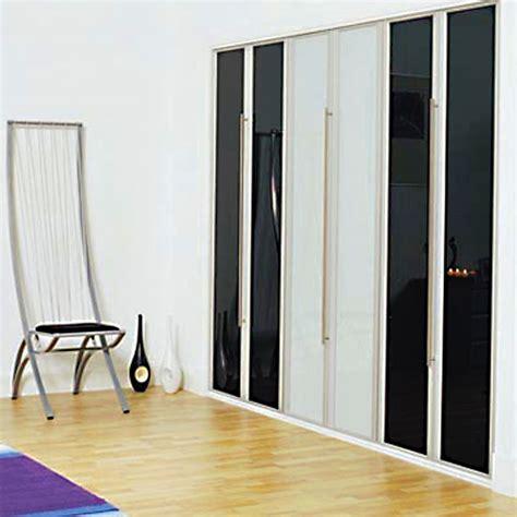 Aries Bifold Black And White Closet Door 010 Aries