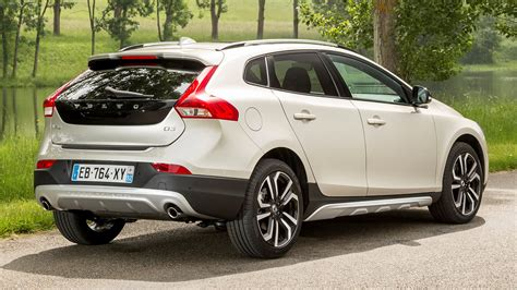 Volvo V40 Cross Country Backgrounds by Volvo V40 Cross Country 2016 Wallpapers And Hd Images