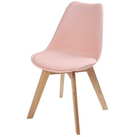 chaises scandinave chaise scandinave pastel maisons du monde