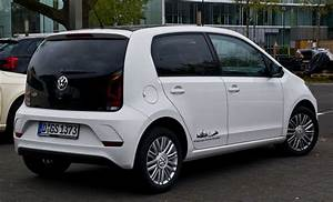 Volkswagen Up : file vw high up 1 0 bluemotion technology facelift heckansicht 21 april 2017 d sseldorf ~ Melissatoandfro.com Idées de Décoration