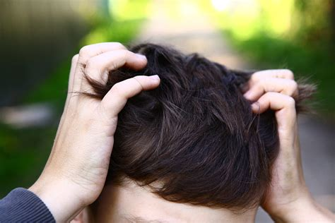 e formicolio alla testa formicolio alla testa e al viso le possibili cause e i rimedi