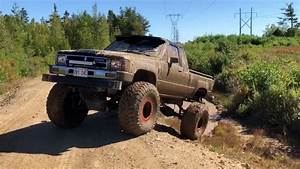 1987 Toyota Pickup On 37s Off Roading