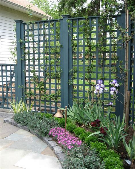 Small Trellis Fence by 93 Best Images About Small Front Porch Ideas On