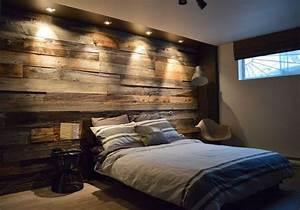 Deco Chambre Bois : mur en bois de grange dans une chambre am nagements chambre parents chambre bois et ~ Melissatoandfro.com Idées de Décoration