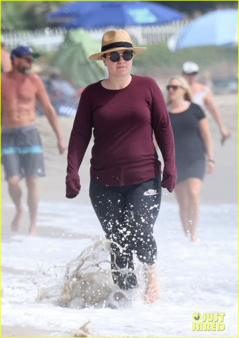Kelly Clarkson Enjoys a Day at the Beach After Opening Up ...