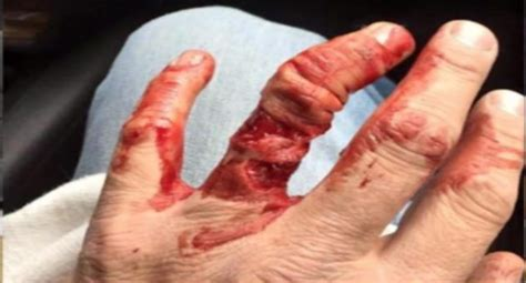 graphic this is why you don t wear a wedding ring in the