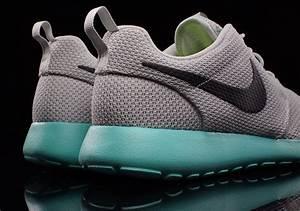Calypso Nike Roshe 6