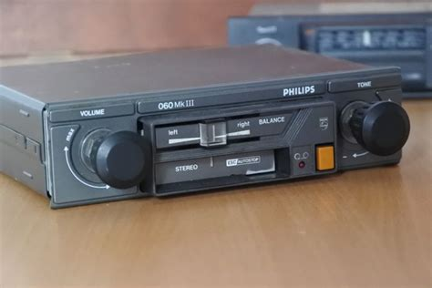 Philips Sprint 79dn189 Classic Car Radio With Fm