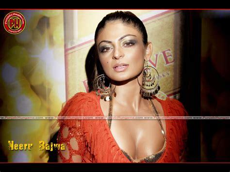 actress kiss fb neeru bajwa hot wallpapers pics pictures punjabi