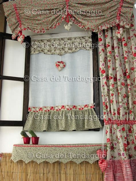 tendaggi shabby chic mantovana e tende country cuscini country