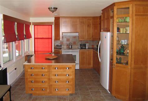 quincaillerie armoire de cuisine armoires en bois modèle shaker couleur vénitien oak