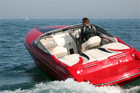 Stingray Boats Speed by Stingray 225 Sx Wide And Stylish Weekender Boats