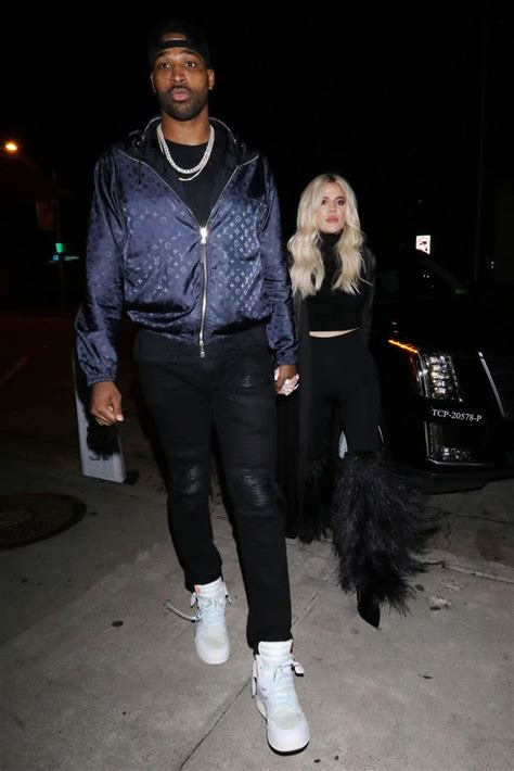 Khloé Kardashian Cries About Her 'Family Being Ruined ...