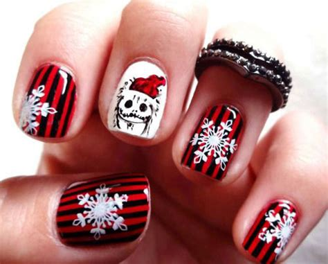20 Christmas Snowflake Nail Art Designs & Ideas 2016