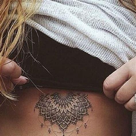 Tatouage Mandala Ventre  On Craque Pour Un Tatouage