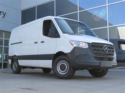 Suggested tire pressure for 2019 mercedes benz sprinter 3500 is controlled by the auto maker dependent on its qualities and unique you can find out about 2019 mercedes benz sprinter 3500 suggested tire pressure in owner's manual or on a tire bulletin on the side of driver's door or door jamb. New 2019 Mercedes-Benz Sprinter 3500 in Kansas City MO