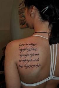 47 Elfe Tattoos mit zahlreichen buchstaben und namen