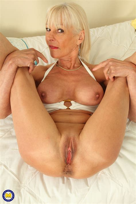 Blonde Granny Elaine Fucks Herself With A Banana Milf Fox