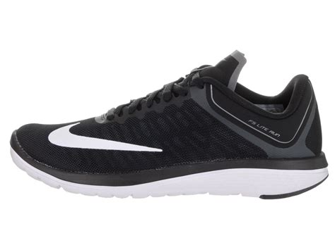 Nike Women's Fs Lite Run 4