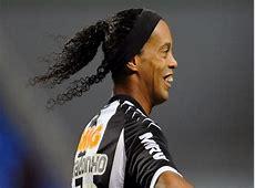 Video Ronaldinho Scores Excellent HatTrick as Atletico