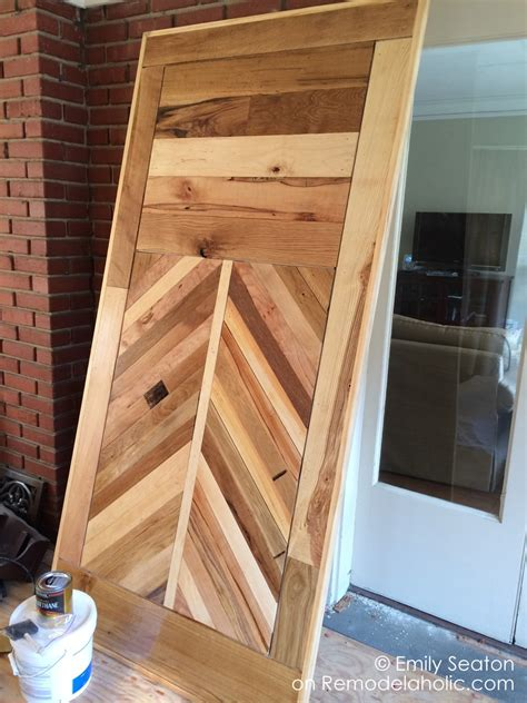 remodelaholic   build  wood chevron barn door