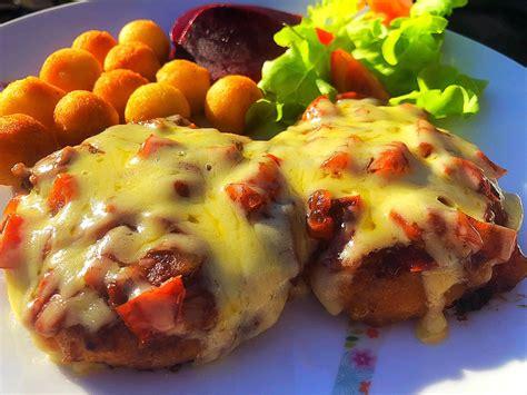 chicken schnitty  bbq bacon cheese