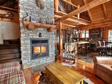 quebec holiday cottage rentals close   lake heron