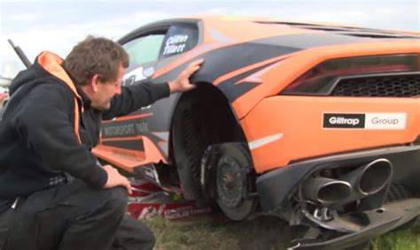 crashed lamborghini huracan lamborghini huracan crashes in targa new zealand gtspirit