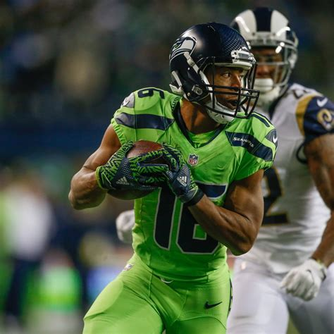 tyler lockett injury update seahawks wr   ir