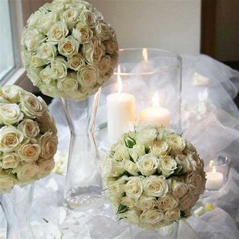 dekokugeln rosenkugeln fuer ihre hochzeit weddstyle