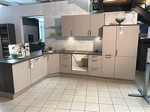 Küchen Ohne Geräte L Form : h cker musterk che h cker k che kaschmir b gelgriff 16 ~ Michelbontemps.com Haus und Dekorationen