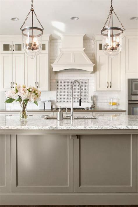 ideas for kitchen backsplash best 25 two toned cabinets ideas on two tone 4395