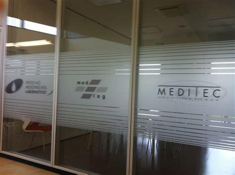 Sichtschutz Fenster Arztpraxis by Klebefolien Milchglas Blickschutz Fenster Glas Sichtschutz