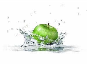Green apple falling into water wallpapers and images ...