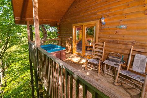 pet friendly cabins in pigeon forge tn pigeon forge pet friendly cabin deerly beloved