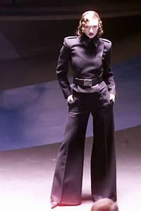Alexander McQueen Fall 2001 Ready-to-Wear Fashion Show in ...