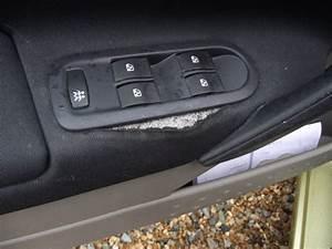 Leve Vitre Clio 2 Ne Fonctionne Plus : demontage bouton leve vitre megane 2 ~ Medecine-chirurgie-esthetiques.com Avis de Voitures