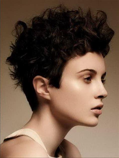 Frisuren Undercut Frauen