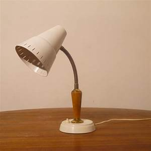 Lampe Bureau Vintage : lampe vintage laiton bois metal 1960 la maison retro ~ Teatrodelosmanantiales.com Idées de Décoration