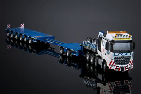 Mco-px 2+6 Semi Lowloader With Mb Arocs 8x4