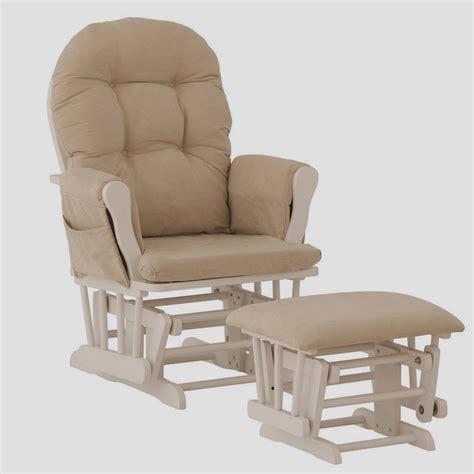 fauteuil a bascule allaitement conseils pour choisir un fauteuil allaitement pour vous et votre b 233 b 233 fauteuil