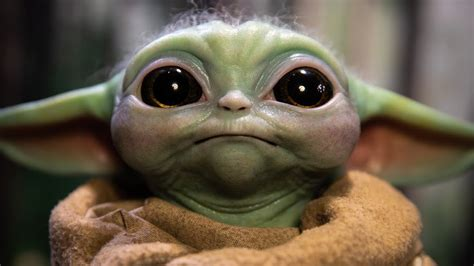 Life-Size Baby Yoda! Sideshow Collectibles' The Child ...