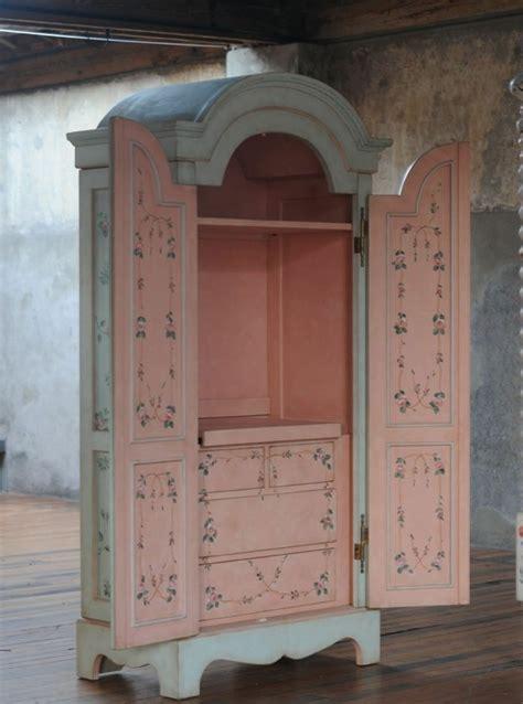 vieille cuisine repeinte trendy relooker armoire ancienne armoire exterieur repeint