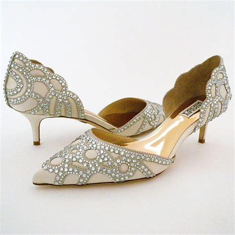 wedding shoes low heel badgley mischka ginny ivory low heel wedding shoes 1126