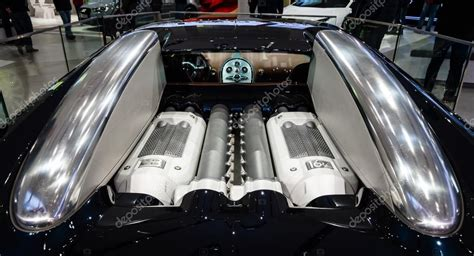 What Type Of Engine Does A Bugatti by Engine Of A Supercar Bugatti Veyron Eb 16 4 Fastest