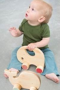 Spielzeug Für Babys : holzspielzeug elefant babyspielzeug holz ~ Watch28wear.com Haus und Dekorationen